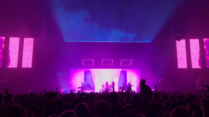 REVIEW: The 1975 at The O2 Arena London 16/12/16